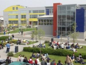 工場をキャンパスとして使うミラノ工科大学